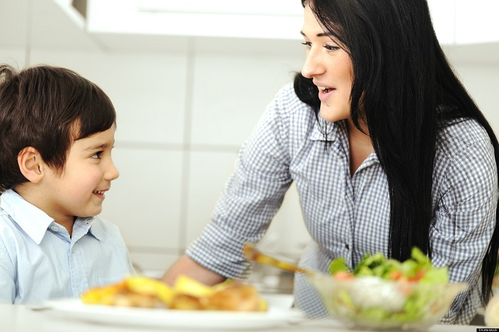 ¿Cómo hacer que sus hijos coman saludable?